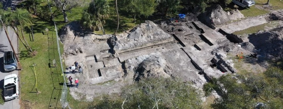 RECOVERING HISTORY AT THE MANATEE MINERAL SPRING