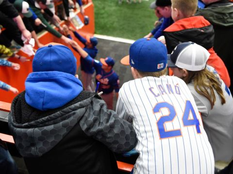 Syracuse Mets Fans (Photo: syracuse.com)
