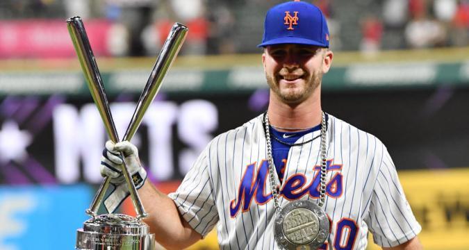 Pete Alonso Touches Fame (Photo: cbssports.com)