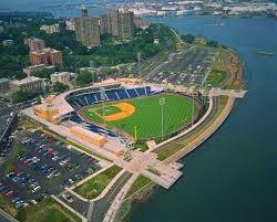 A more perfect setting to enjoy a ballgame? (Photo: pinterest.com)