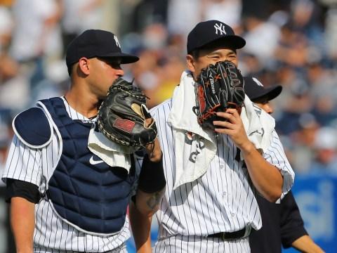 """Gary Sanchez """"talking"""" with Masahiro Tanaka"""