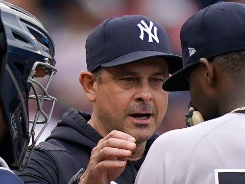 Yankees Aaron Boone: Master Juggler (nj.com)