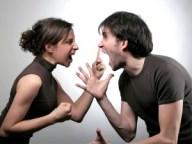 19-couple-fight-190712