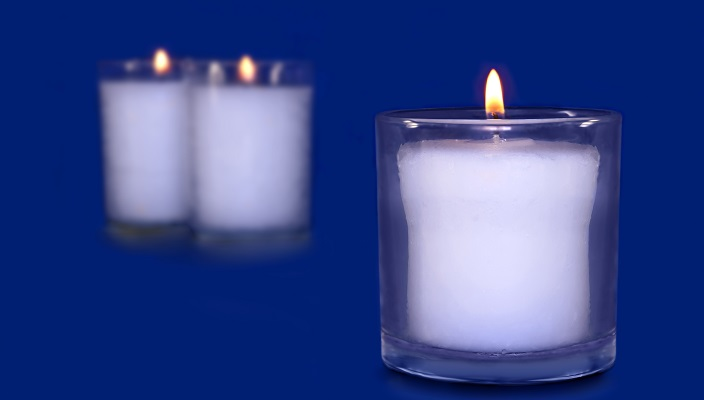 https reformjudaism org learning answers jewish questions when do you light yizkor memorial candles yom kippur do you light