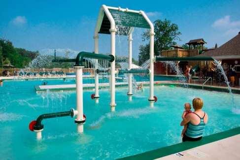 Pool_Kids_Family_summer