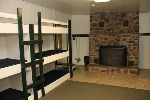 Lodging_Bunks_Fireplace_Retreats