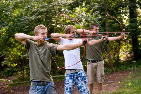 Archery_Men_Activities_Summer