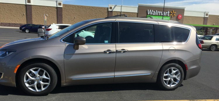 This Chrysler Pacifica is a sporty minivan!