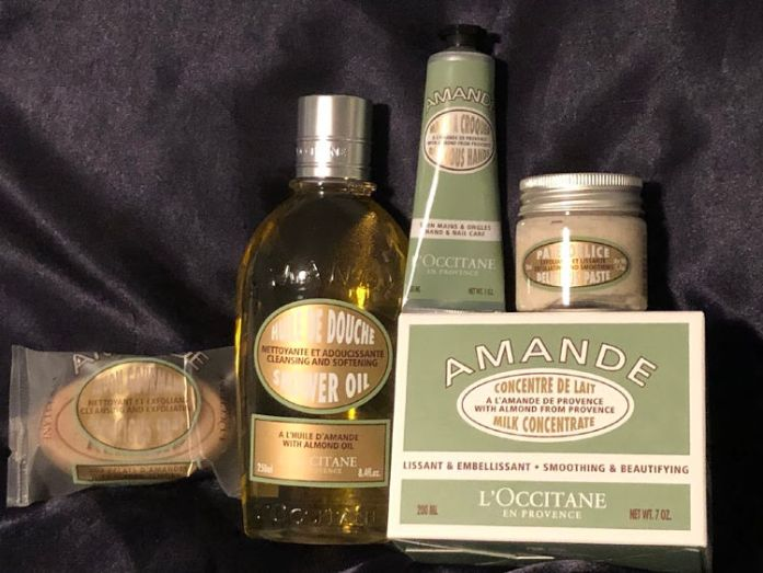The scent of this Almond collection from L'Occitane is captivating!