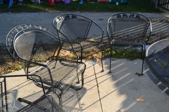how to paint metal lawn furniture