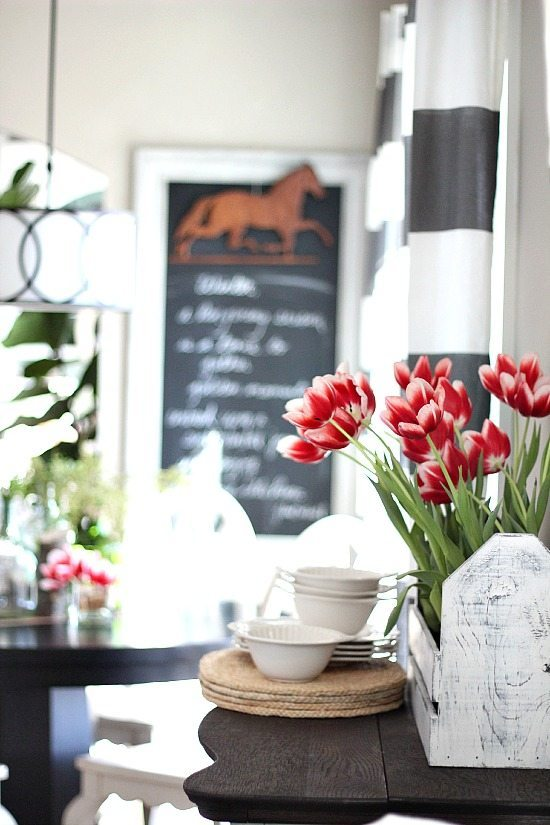 Decorating Your Home Can Be Expensive But It Doesn T Have To With A Little Creativity And Know How You Stretch Buck Quite Bit In The Area Of