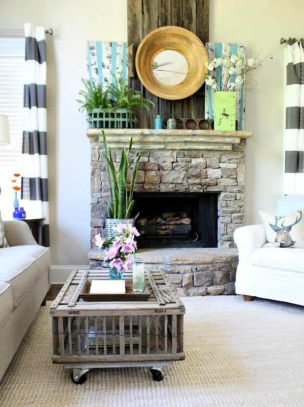 chicken coop coffee table refresh restyle