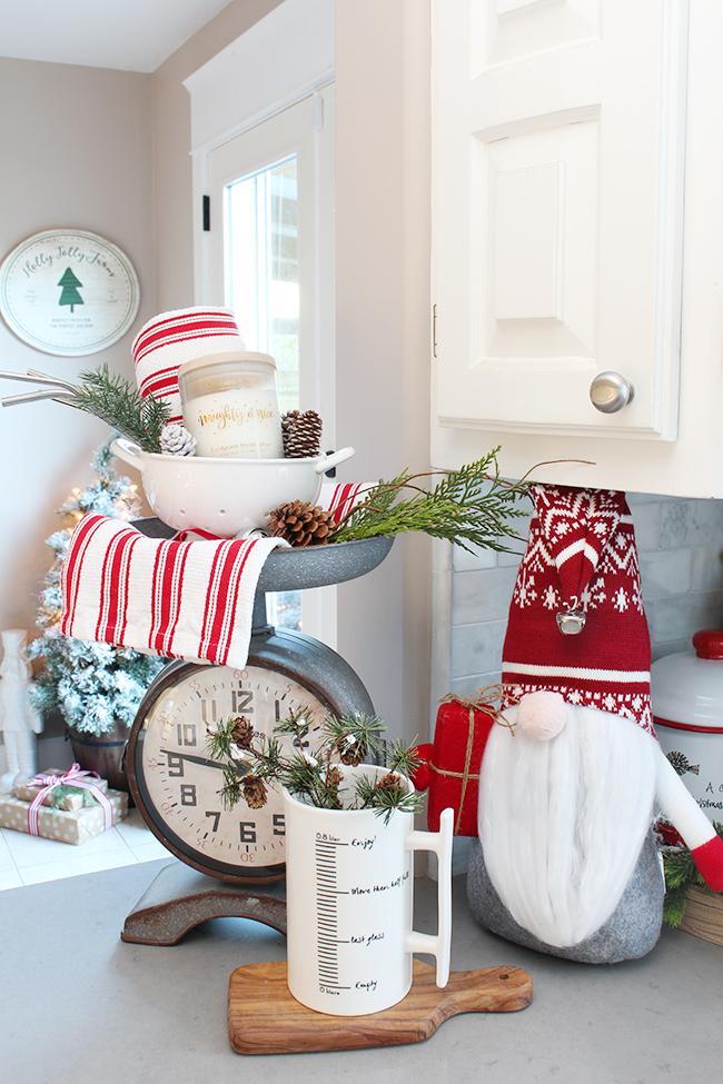 Christmas-Kitchen-Gnome-1
