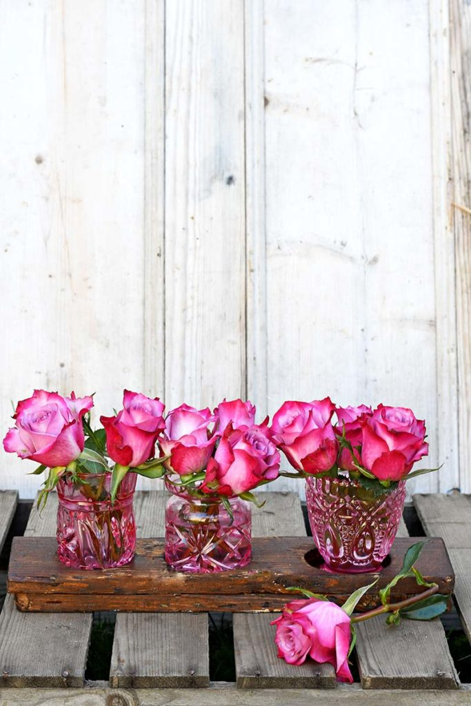 how-to-paint-glass-bud-vases-2-s