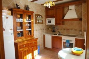 Cocina completamente equipada y con vistas a Gredos.