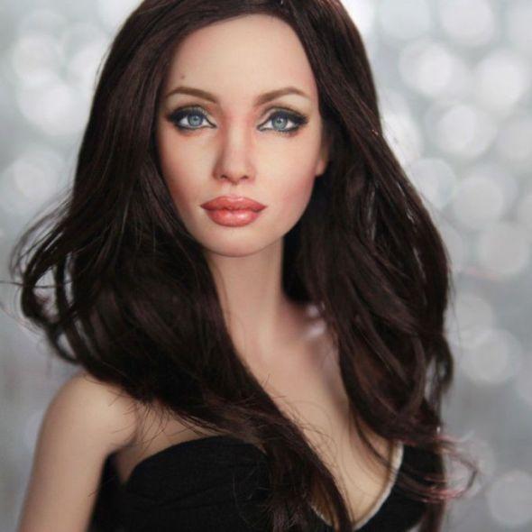 Oggetti Fantastici  noelcruzrepaintAngelinaJolie Noel Cruz dipinge Angelina Jolie