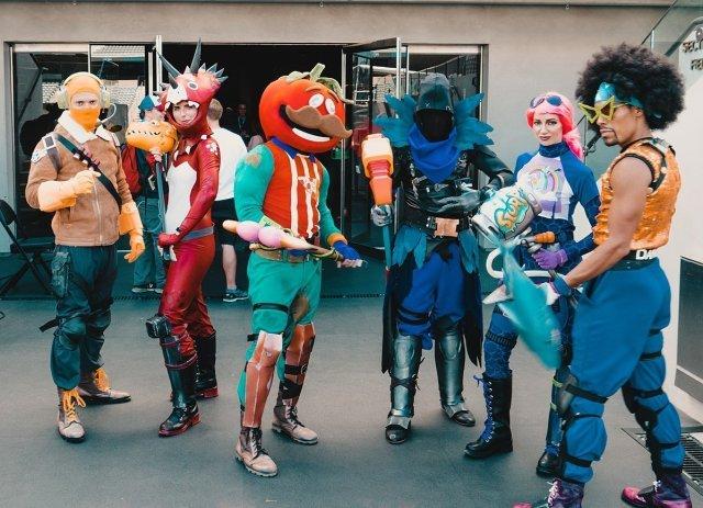 Feste e Anniversari Guide Regali per Ragazzi  Carnevale_con_Fortnite_cosplay_at_E3_2018-1024x740 Carnevale Fortnite per i tuoi ragazzi
