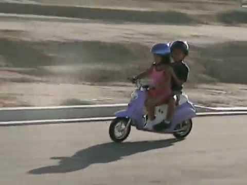Moto scooter electrica para niñas Pocket Mod Razor