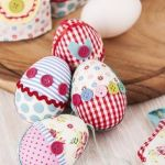 Un original regalo en patchwork: huevos colgantes