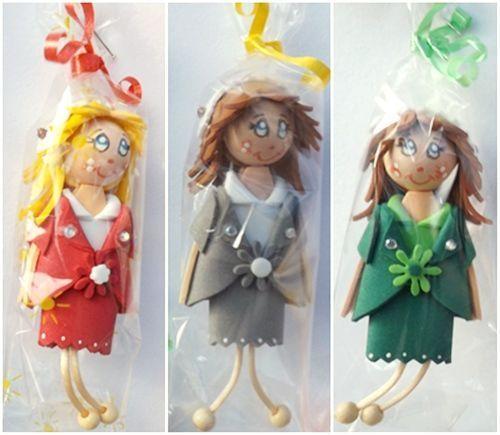 muñecas de goma eva con broche 1