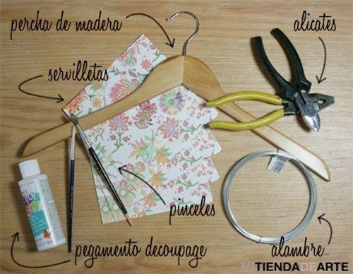 Manualidades para regalar una percha decoupage personalizada 2
