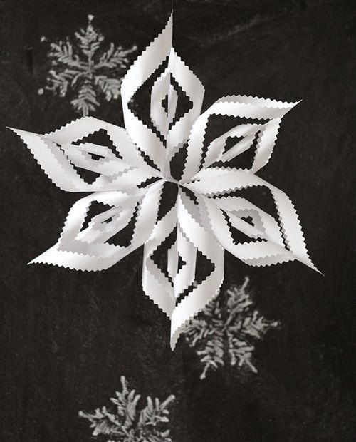 manualidades de Navidad copos de papel para decorar fiestas 4