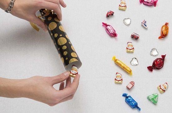 christmas crackers como hacer crackers de Navidad con papel de regalo4