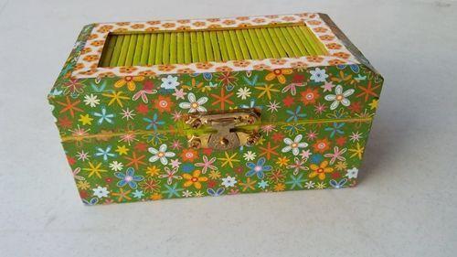 como-decorar-cajitas-de-madera-diy-con-papel-de-origami-2