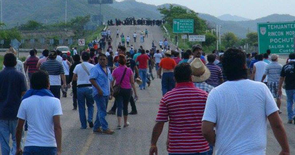 Nueve bloqueos de maestros en Oaxaca restablecidos oaxaca istmo