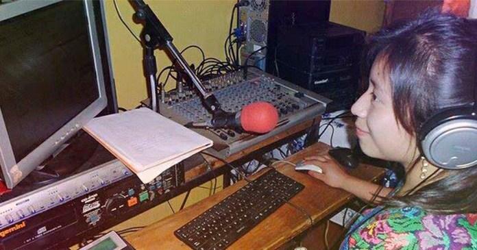 cabina de radio estaciones comunidades indígenas radiodifusión telecomunicaciones