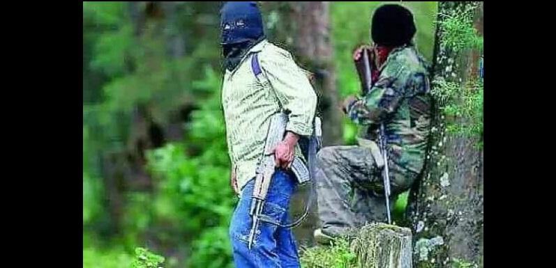 Las hostilidades sólo cesaron una horas mientras autoridades federales y estatales recorrieron la zona<br>