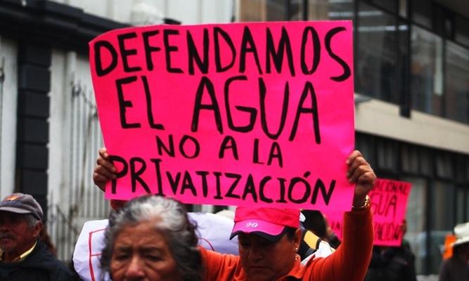 55% de agua superficial a privatización en México