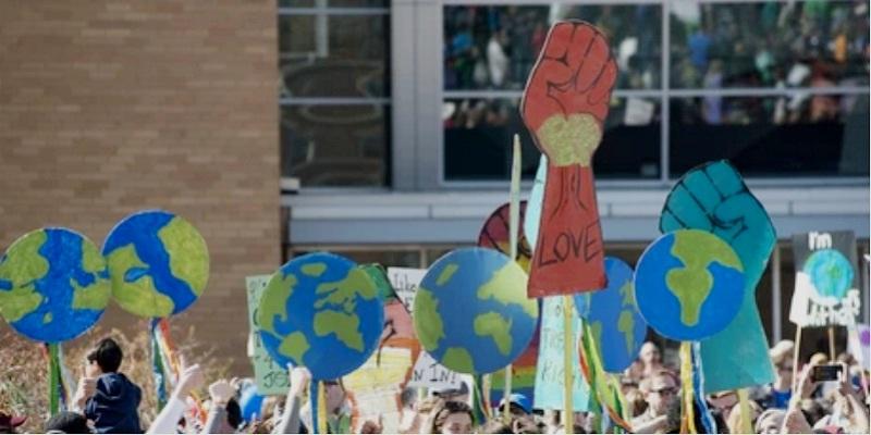 inglaterra - Jóvenes en huelga por el clima en 60 ciudades inglesas