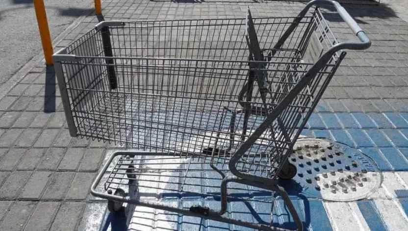 centro comercial - Encuentran cadáver de hombre en carrito de supermercado