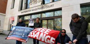 cuantos anos podria pasar assange encarcelado 300x147 - Qué cargos le imputan a Assange y cuánto tiempo sería encarcelado