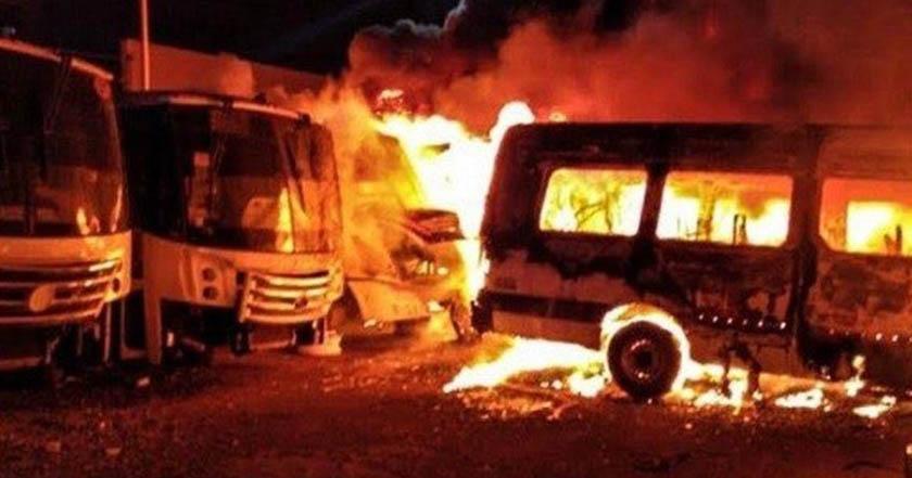 Incendio fulmina 30 camiones en Parque Industrial La Noria Querétaro - Incendio fulmina 30 camiones en Parque Industrial La Noria, Querétaro