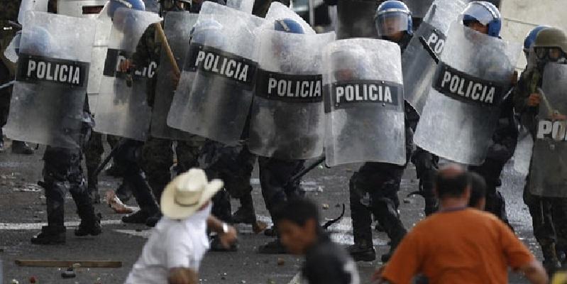 aaa 2 - Honduras sumido en la tragedia, medios y políticos callan