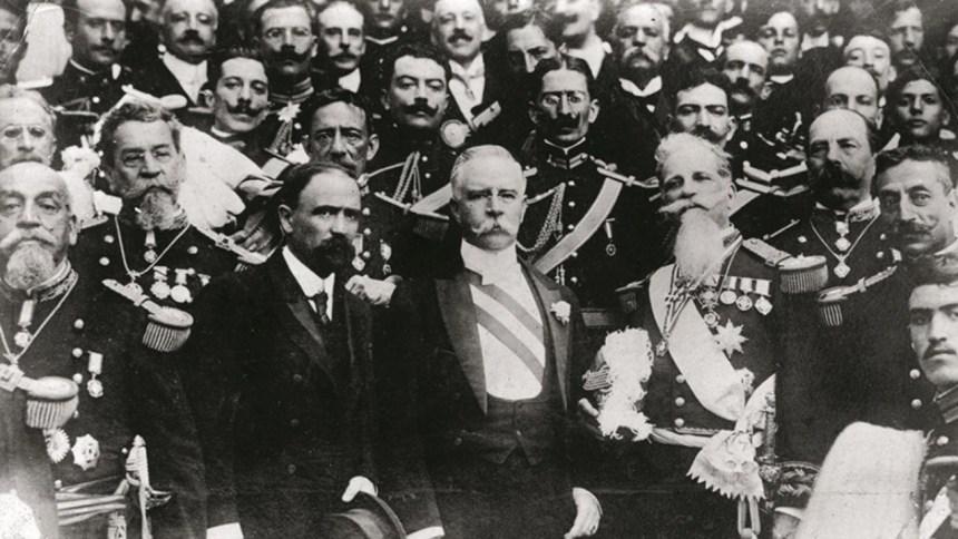 fim - Madero lanza en 1911 Manifiesto para crear un nuevo partido