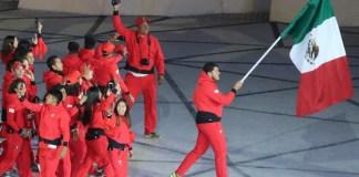 """AMLO promete """"buena noticia"""" para deportistas tras Panamericanos"""