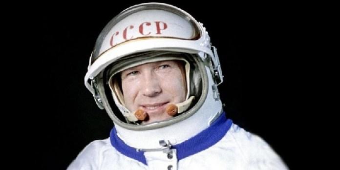 Fallece astronauta soviético Alexéi Leónov, primer caminante en el espacio