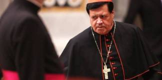 Cardenal Norberto Rivera sigue delicado tras contagiarse de Covid-19