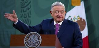 Medios y oposición van a 'politizar todo' sobre el covid-19, advierte AMLO
