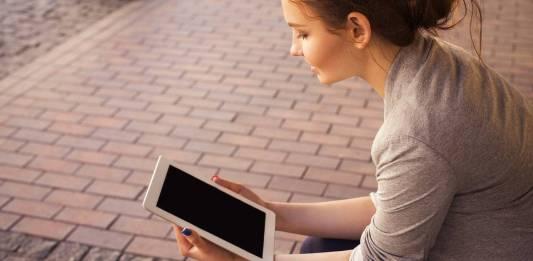 UNAM prestará 25 mil tabletas a alumnos de bajos recursos