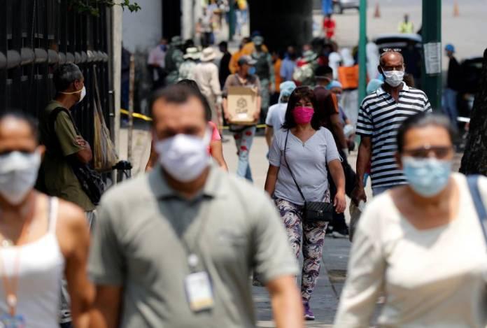 """1587657458 017377 1587658440 noticia normal - Caracas implementa """"cerco sanitario"""" para detener el avance de la variante brasileña"""