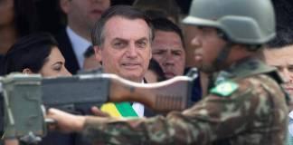 Renuncia toda la cúpula militar de Brasil por fricciones con Bolsonaro