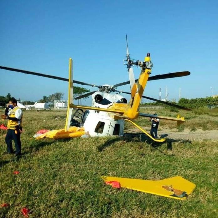 EwNwhohW8AU 01v - Helicóptero se desplomó en puerto de Dos Bocas