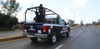 Policías de Aguililla fueron agredidos con explosivos desde un dron