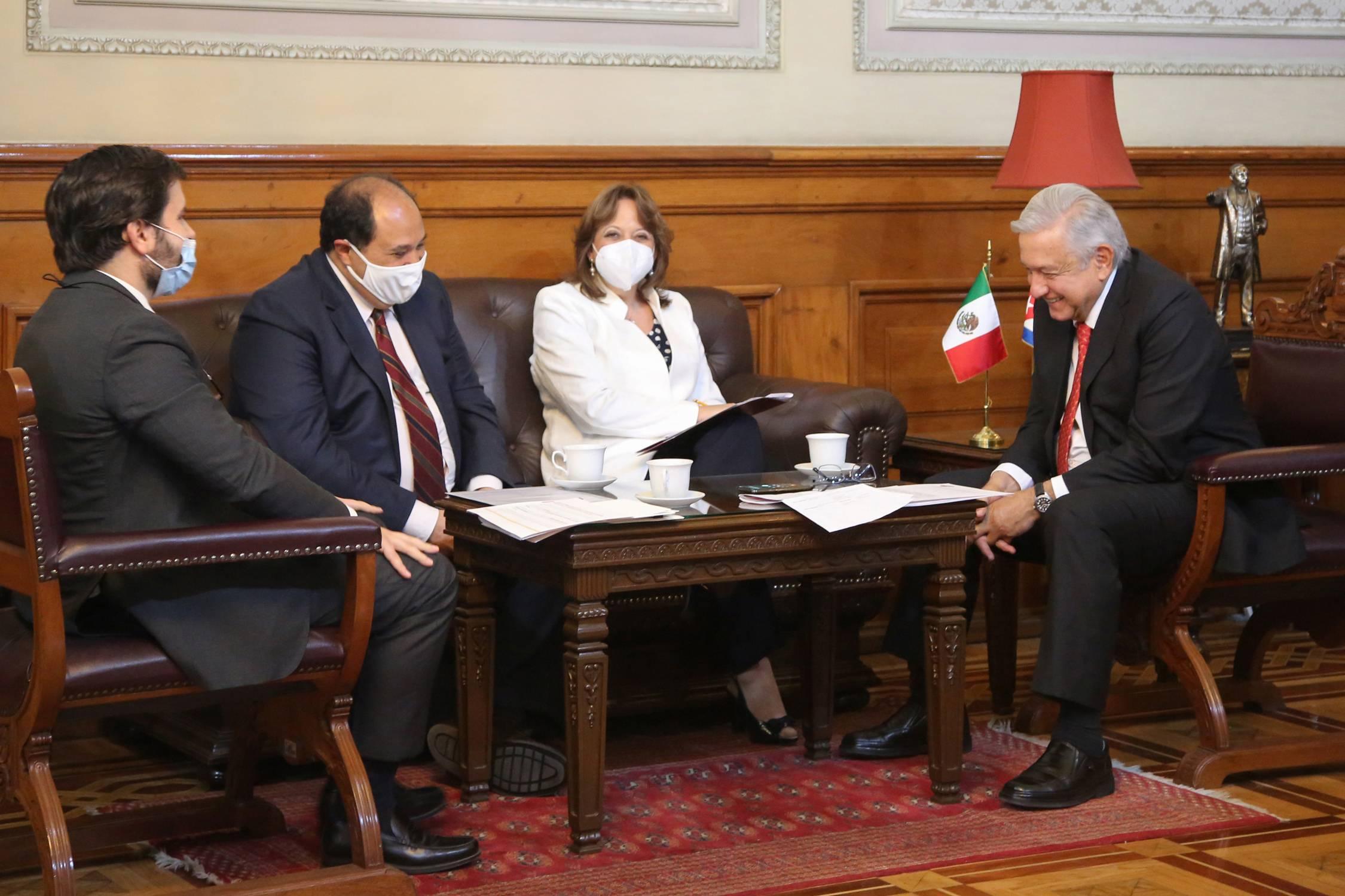 Gracias por personal médico: AMLO conversa con presidente de Cuba