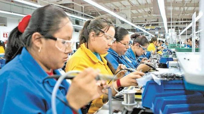 AMLO logra acuerdo sobre outsourcing