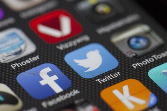 ¿Quieres saber si tu mail forma parte del hackeo a Facebook? Te decimos cómo
